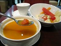 セット(野菜スープ、フルーツサラダ、カルダモンミルクティー)