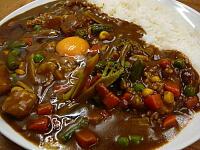 野菜カレーと生卵