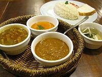 3種カレーセット(ブラジル、季節、チキン)