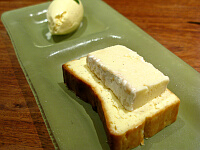 デザート(チーズを載せたチーズケーキなど)