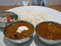 インド富士セット(チキンカレー、ヤギと豆のカレー)