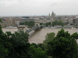 セーチェニ公の鎖橋