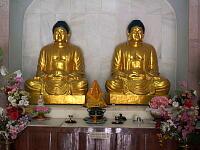 黄金の仏像