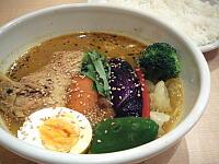 骨付きチキンと野菜のスープカレー