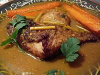 ベトナムカレーセット(骨付き鶏もも肉入り辛口カレー)