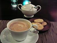 カフェ・ラテとクッキー
