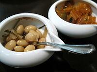 少し珍しい酢大豆と福神漬け