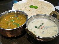 カダイチキンと野菜コルマ、イディヤパム